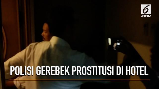 Rekaman video saat petugas Polisi melakukan penggerebekan di sebuah Hotel yang diduga digunakan untuk prostitusi ABG.