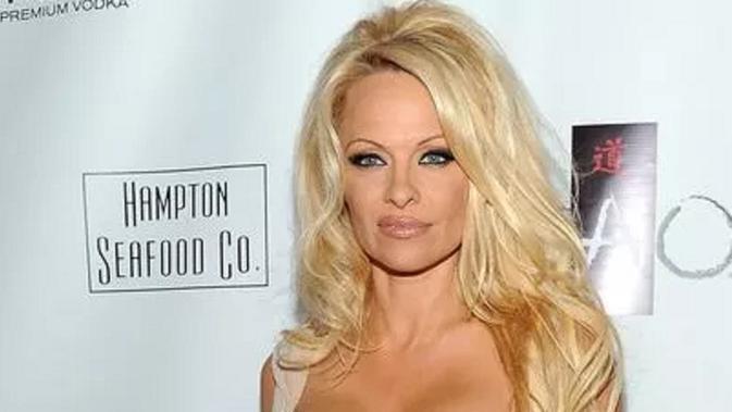 Pamela Anderson (Evan Agostini, Invision/AP)