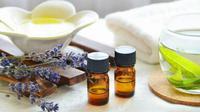Ingin menjaga tubuh tetap bugar dan jauh dari stres? Oleskan minyak pijat buatan sendiri secara rutin di rumah. (foto: istockphoto)