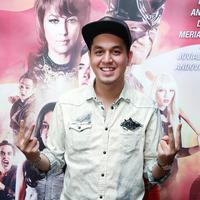 Pertama kalinya Kevin Julio mendapatkan peran antagonis. Dalam film Jagoan Instan, bertema superhero itu, ia memerankan sosok Romeo. (Deki Prayoga/Bintang.com)