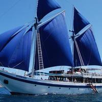Kapal Phinisi Indonesia begitu mendunia, tak heran jika Wonderful Indonesia selalu menggunakannya sebagai ikon dalam setiap pameran di luar negeri.