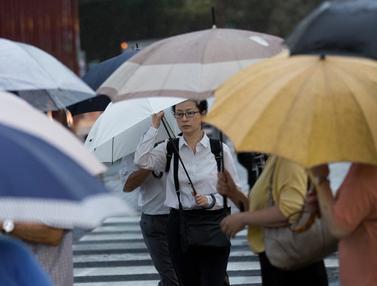Hujan Lebat dan Angin Kencang Landa Tokyo
