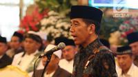 Presiden Joko Widodo memberikan sambutan di hadapan para kiai dan habib se-Jadetabek di Istana Negara, Jakarta, Kamis (7/2). Pertemuan dihadiri 400 kiai dan habib se-Jadetabek. (Liputan6.com/Angga Yuniar)