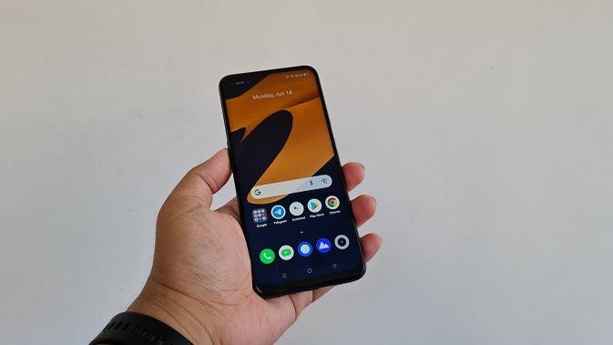 Tampilan Realme 8 5G yang akan meluncur di Indonesia. (Liputan6.com/Agustinus M. Damar)