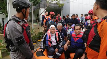 BBPLK Bekasi Kebanjiran, Menaker Ida Bantu Evakuasi 20 Peserta Pemagangan Jepang