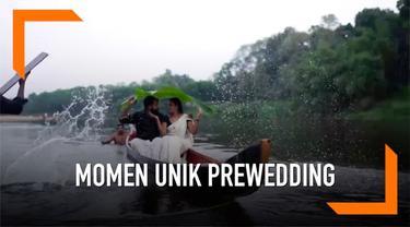 Pengalaman buruk dialami pasangan dari India selama sesi pemotretan prewedding. Mereka terjatuh dari sampan dan tercemplung ke sungai.