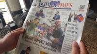 Porsi pemberitaan media lokal Kamboja, Khamer Times, hanya sedikit menyinggung Piala AFF U-22 2019. (Bola.com/Zulfirdaus Harahap)