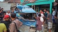 Kecelakaan Beruntun Libatkan 6 Kendaraan di Bogor. (Liputan6.com/Achmad Sudarno)