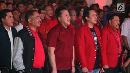 Ketum PKPI Diaz Hendropriyono (kedua kanan) didampingi Kepala Bekraf Triawan Munaf, Hendropriyono, Menpar Arief Yahya dan Ketua TKN Jokowi-Ma'ruf Erick Thohir saat peluncuran Departemen eSports PKPI di SCBD, Jakarta, Selasa (25/9). (Liputan6.com/HO/Engga)