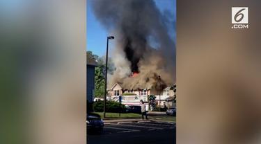 Sebuah helikopter jatuh dan menimpa sebuah rumah di Virginia. Satu orang tewas dalam insiden ini.