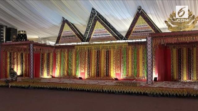 Pesta Adat Kahiyang-Bobby di Medan rencananya akan digelar akhir pekan ini, persiapan sudah dilakukan termasuk pembuatan pelaminan pengantin.