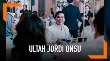 Jordi Onsu menggelar pesta ulang tahun secara mewah di restoran Chijmes, Singapura. Restoran tersebut merupakan lokasi suting film 'Crazy Rich Asians'
