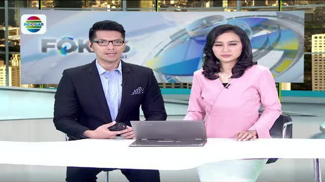 Petugas gabungan menggelar razia makanan berbahaya dan kedaluwarsa di sejumlah pusat penjualan makanan di Jakarta.