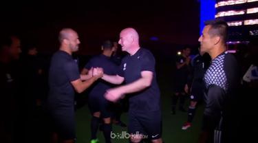 Berita video Presiden FIFA, Gianni Infantino, mengalami nasib sial saat ingin bermain sepak bola di Paraguay. This video presented by BallBall.
