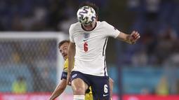 Pada babak kedua Timnas Inggris kembali menambah perolehan gol di menit 46, Harry Maguire sundulan hasil umpan manis dari Luke Shaw untuk memperdaya Buschan. (Foto: AP/Pool/Lars Baron)