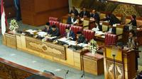 Paripurna DPR Pembukaan Masa Sidang V Tahun 2018 menerima laporan Kerangka Ekonomi Makro dan Pokok-Pokok Kebijakan Fiskal (KEM PPKF) tahun 2019 dari Menteri Keuangan Sri Mulyani