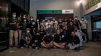 Perwakilan manajemen klub PSS bersama pentolan kelompok suporter Brigata Curva Sud (BCS) usai pertemuan di Omah PSS, Selasa (9/2/2021) malam. (Dokumen PSS Sleman)