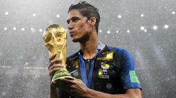 2. Raphael Varane - Bek Real Madrid (Prancis). (AFP/Franck Fife)