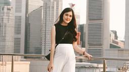 Annisa selalu tampil simple namun tetap modis dalam setiap unggahan fotonya di Instagram. (Liputan6.com/IG/@annissanns)
