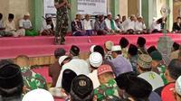 Kyai dan Habaib di Jember Ketuk Pintu Langit di Akhir Ramadhan, Doakan Keselamatan Bangsa dan NKRI (Liputan6.com/Dian Kurniawan)