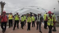 Menteri Badan Usaha Milik Negara (BUMN) Rini Soemarno meninjau pembangunan proyek Bandara Internasional Yogyakarta. Dok Kementerian BUMN