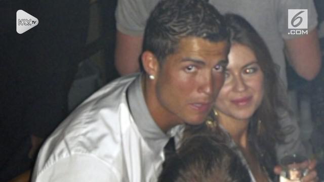 Cristiano Ronaldo tertimpa masalah atas kasus pemerkosaan yang dialaminya. Meski begitu, pihak sponsor tetap mendukung dirinya.