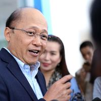Motivator handal Mario Teguh dengan tegas membantah bahwa Ario Kiswinar Teguh bukan anaknya. Hal itu ia sampaikan dalam wawancara dengan stasiun televisi swasta hari ini, Jumat (9/9/2016). (Nurwahyunan/Bintang.com)