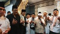 Kader PDIP menggelar salat Idul Adha di Bali sekaligus sebagai rangkaian puncak penutupan Kongres V. (Ahda Bayhaqi/Merdeka)