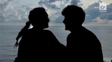 Dimas Anggara dan Nadine Chandrawinata dikabarkan akan segera menikah. Namun, tanggal pernikahan masih dirahasiakan.
