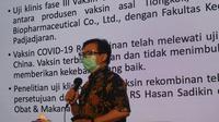 Peneliti utama uji klinis fase III vaksin rekombinan Covid-19 Anhui Rodman Tarigan memberikan keterangan pers di Gedung RS Pendidikan Kedokteran Unpad, Kota Bandung, Selasa (2/3/2021). (Liputan6.com/Huyogo Simbolon)