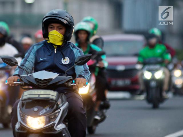 Peristiwa Atau Objek Apakah Yang Nampak Pada Kedua Gambar Diatas Sepeda Dan Motor Mengendarai Sepeda Motor Wajib Perhatikan Hal Sederhana Ini
