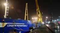 Pengiriman perdana tiga ton beras yang diangkut kapal Tol Laut yaitu KM Logistik Nusantara II (Foto: Dok Kementerian Perhubungan)