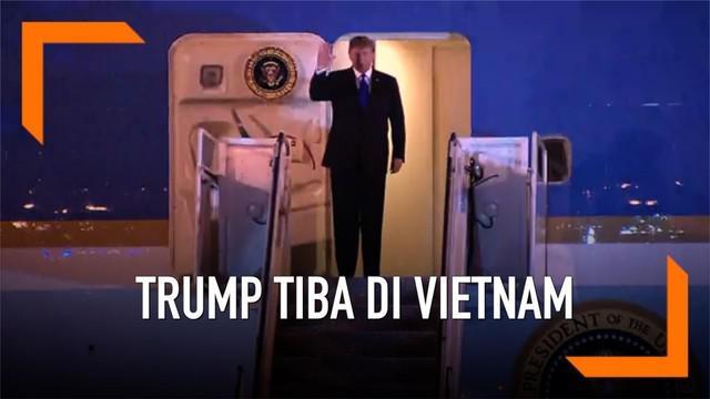 Presiden Donald Trump mendarat di Hanoi, Vietnam pukul 9 malam waktu setempat. Ia akan menggelar pertemuan dengan pimpinan Korea Utara, Kim Jong-un.