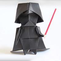 Meski rumit, namun tutorial origami Darth Vader berikut ini bisa bikin kamu bahagia.