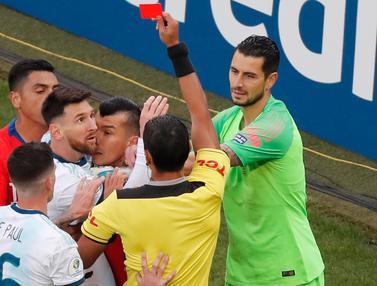 Ekspresi Lionel Messi Saat Mendapat Kartu Merah di Copa America