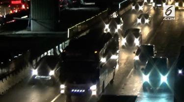 H-7 menuju lebaran, ruas tol Jakarta-Cikampek mulai dipadati kendaraan.