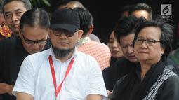 Penyidik senior KPK Novel Baswedan saat aksi menuntut penuntasan teror pada KPK di Jakarta, Selasa (15/1). Koalisi masyarakat sipil menuntut Presiden Joko Widodo membentuk Tim Gabungan Pencari Fakta (TGPF). (Merdeka.com/Dwi Narwoko)
