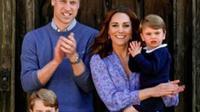 Pangeran William, Kate Middleton, dan ketiga anak mereka, Pangeran George, Putri Charlotte, serta Putri Louis bertepuk tangan apresiasi tenaga kesehatan di masa pandemi COVID-19. (dok. Instagram @kensingtonroyal/https://www.instagram.com/p/B_VhLyVFwro/)
