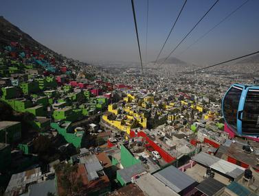 FOTO: Cablebus, Sistem Angkutan Umum Udara Baru di Mexico City