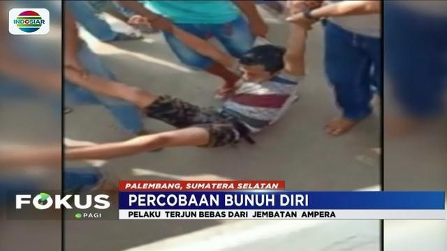 Seorang pemuda di Palembang nekat melakukan percobaan bunuh diri dengan terjun ke Sungai Musi. Aksi penyelamatan oleh warga terekam oleh kamera amatir.