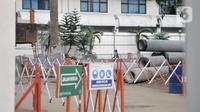 Aktivitas pekerja saat mengerjakan proyek revitalisasi Taman Ismail Marzuki (TIM), Jakarta, Selasa (26/11/2019). Pembangunan hotel berbintang di proyek revitalisasi TIM menuai penolakan dari seniman karena dinilai menjadi area komersial serta menggangu ruang berekspresi. (merdeka.com/Iqbal Nugroho)