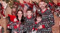 M'Kenzie, Derek Tillotson dan tiga anak mereka