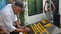 Menteri PUPR Basuki Hadimuljono meresmikan Rumah Susun Sewa (Rusunawa) bagi para mahasiswa UGM. (Foto: Kementerian PUPR)