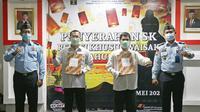 Rutan Depok Berikan Remisi Tahanan Beragama Buddha pada Hari Raya Waisak. (Liputan6.com/Dicky Agung Prihanto)