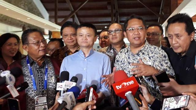 Pendiri ALibaba Group Jack Ma bertemu dengan para menteri dan pengusaha asal Indonesia untuk menindaklanjuti rencana kerjasama penignkatan kapasitas Sumber Daya Manusia (SDM). (Ilyas/Liputan6.com)
