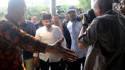 Ketua Dewan Kehormatan Partai Amanat Nasional (PAN) Amien Rais (tengah) mendatangi Gedung KPK, Jakarta, Senin (29/10). Amien akan menemui Pimpinan KPK Agus Rahardjo. (Merdeka.com/Dwi Narwoko)