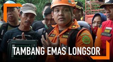 Tim Basarnas menyampaikan perkembangan pencarian korban longsor tambang emas di Bolaang Mongondow, Sulawesi Utara.