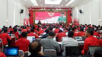 Sekjen PDIP, Hasto Kruistiyanto menyampaikan arahan di hadapan bakal calon legislatif (Liputan6.com/Putu Merta)