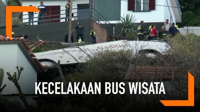 Bus yang membawa rombongan turis dari Jerman terguling di Portugal. Akibatnya 28 orang tewas dan puluhan lainnya terluka.