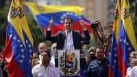 Juan Guaido, pemimpin oposisi yang mengklaim sebagai presiden sementara Venezuela (AP/Fernando Llano)